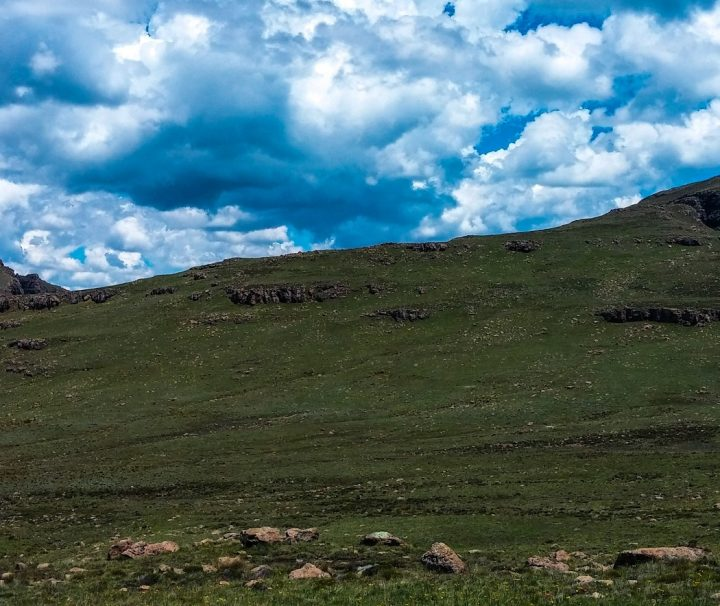 Drakensberg mini traverse trekking adventure tour