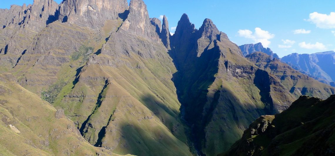 best hiking trails in the Drakensberg