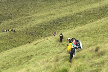 Mafadi hiking tour_guided drakensberg trekking and hiking tours_21