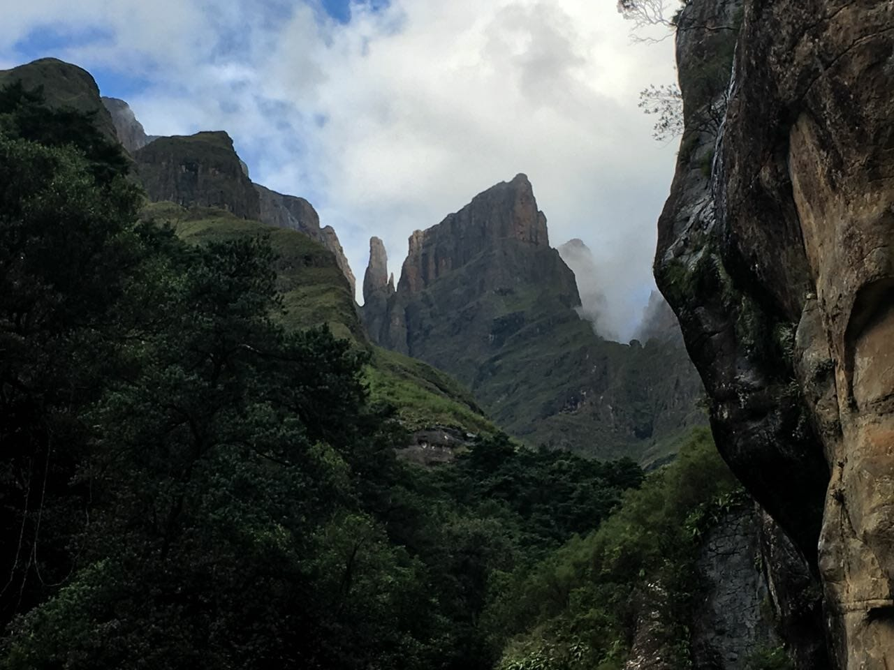 3-day-northern-drakensberg-slackpacking-and-hiking